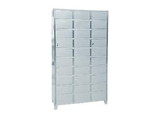 多格餐具柜